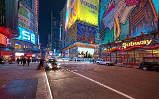 Бесплатные фото улица,вывески,надписи,реклама,люди,мотоцикл,здания