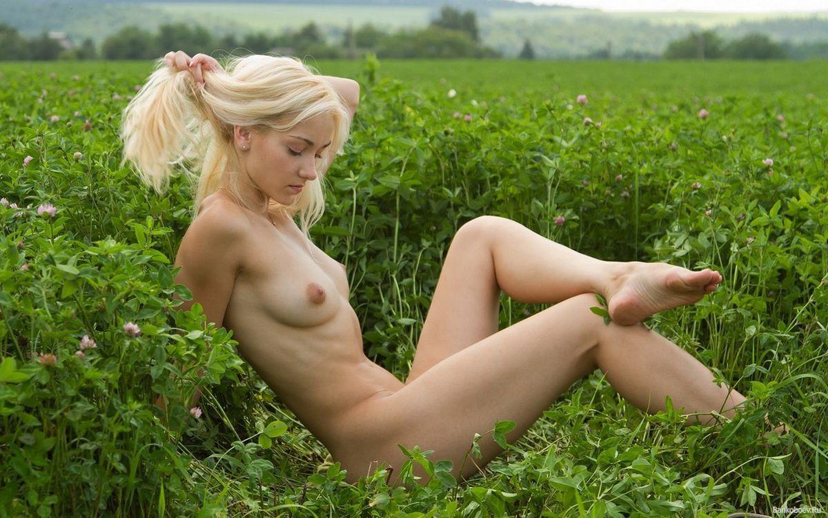 Фото голых юных дев, Голые молоденькие - фото обнаженных молоденьких 16 фотография