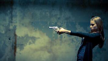 Фото бесплатно девушка, шатенка, тир