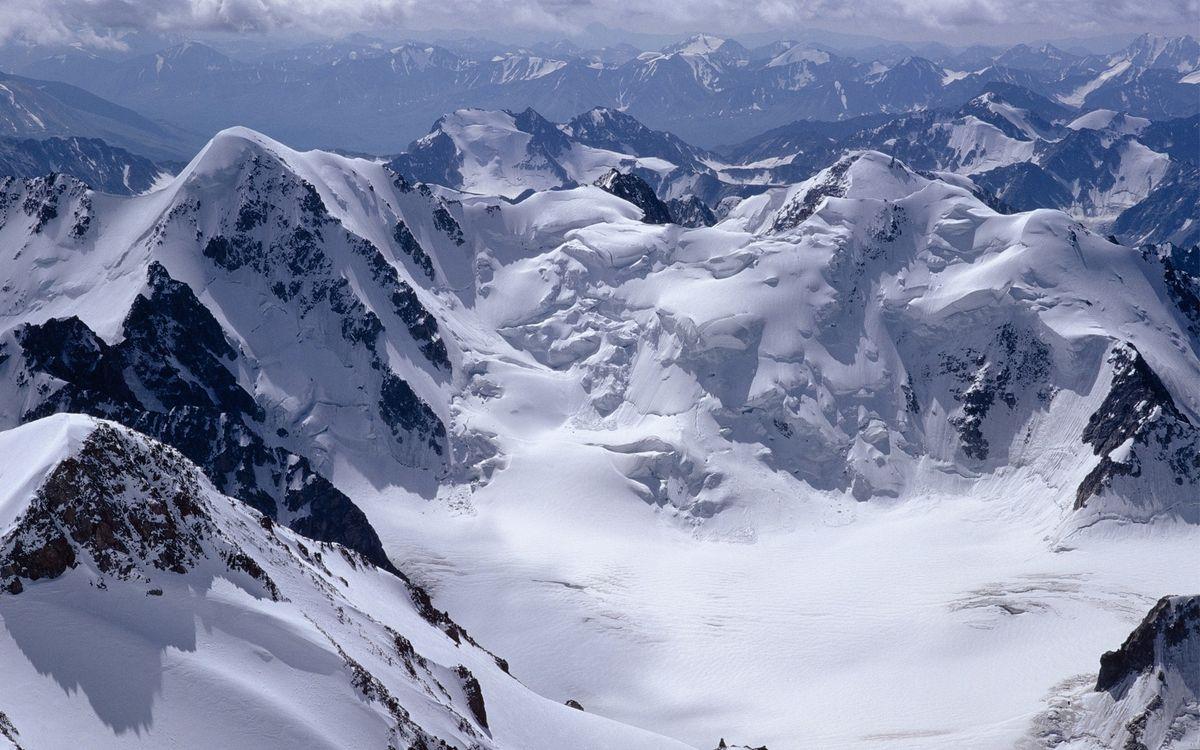 Фото бесплатно горы, снег, высота, скалы, камни, небо, облака, природа, природа