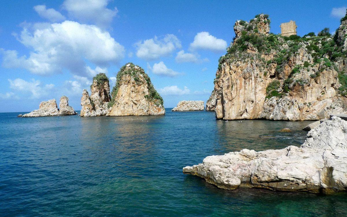 Фото бесплатно камни, скалы, небо, облака, море, океан, волны, мох, трава, горизонт, пейзажи, пейзажи