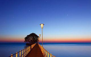 Бесплатные фото мост,фонари,островок,деревья,озеро,горизонт,небо
