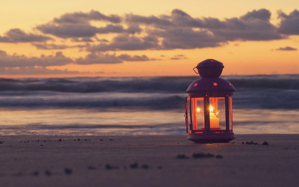 Фото бесплатно светильник, свеча, пляж, вечер, море, волны, закат, солнце, настроения, разное, разное