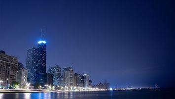 Бесплатные фото вечер,здания,высокие,небо,голубое,свет,ярко