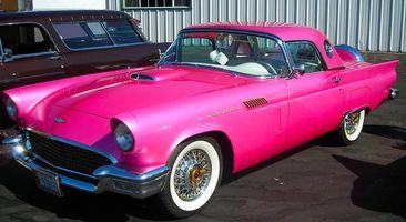 Заставки авто, розовый, яркий, цвет, асфальт, колеса, диски, капот, раритет, окна, стекла, двери