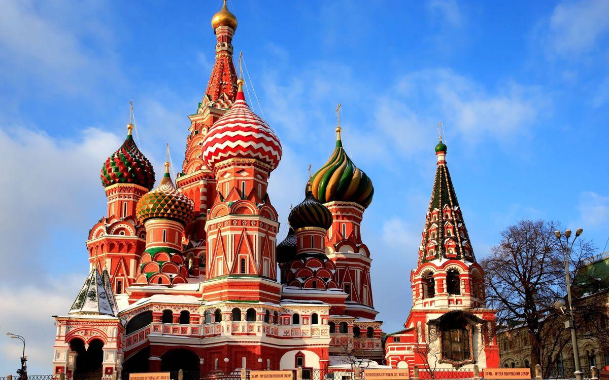 Картинка храм, купола, кресты, красная площадь, небо, облака, стиль на рабочий стол. Скачать фото обои стиль