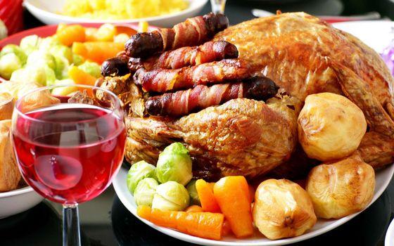 Фото бесплатно курица, сосиски, морковка