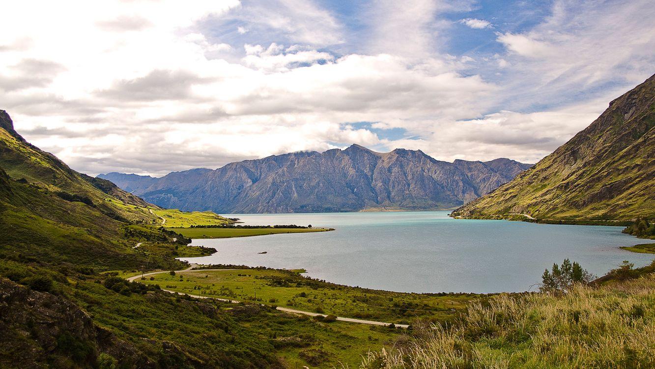 Фото бесплатно озеро, вода, горы, деревья, трава, облака, природа, природа