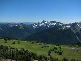 Бесплатные фото равнина,горы,вершины,холмы,снег,трава,склоны