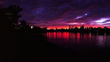 Бесплатные фото река,вода,закат,ночь,дома,здания,свет