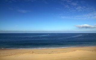 Обои берег, песок, море, яхты, парус, небо, пейзажи