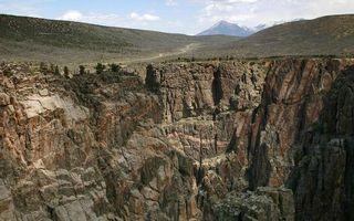 Бесплатные фото горы,обрыв,скалы,камни,тучи,облака,деревья