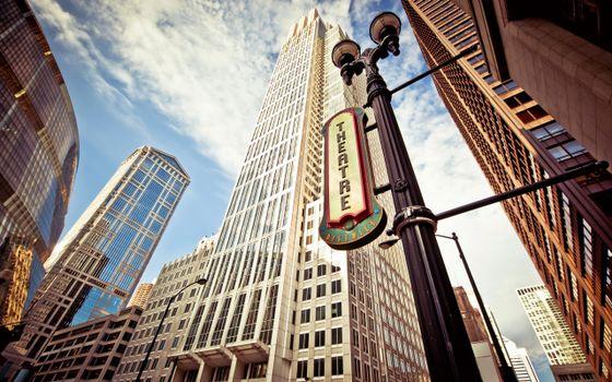 Бесплатные фото небоскреб,дом,здание,улица,небо,табличка,theatre,теарт,город
