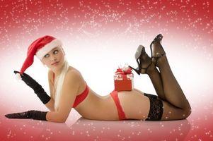 Фото бесплатно девушка, девушки, макияж, лицо, косметика, стиль, гламур, красота, модель, красивый макияж, красотка, настроение, новогодняя девушка, снегурочка, новогодний костюм, с новым годом, новогодние обои