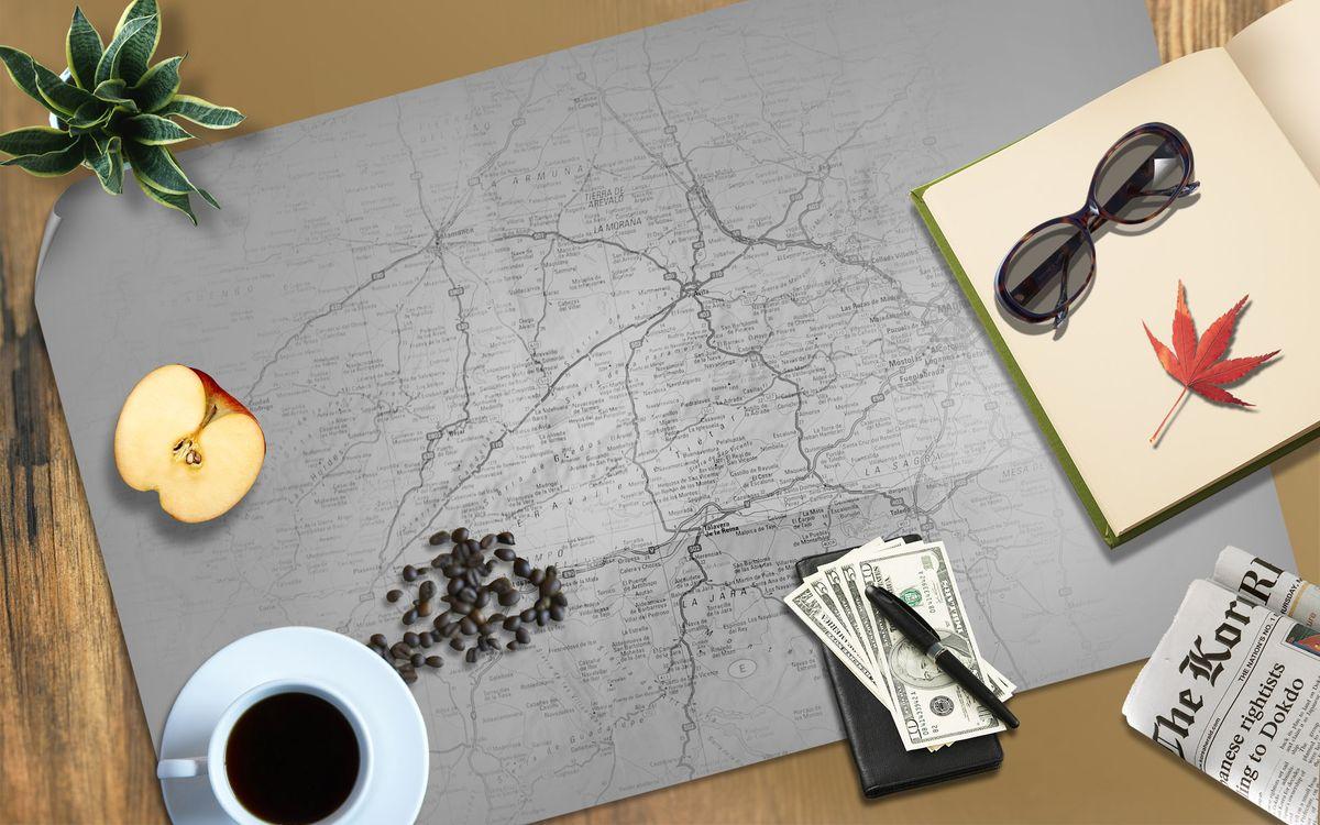 Фото бесплатно кофе, чашка, карта, очки, яблоко, доллары, 3d графика, 3d графика