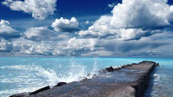 Бесплатные фото море,вода,волны,брызги,волнорез,небо,облака