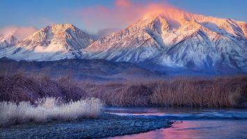 Бесплатные фото река,небо,горы,трава,снег,иней,природа