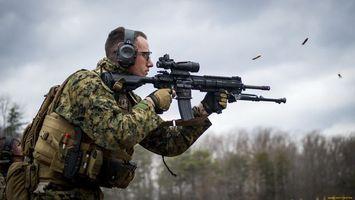 Бесплатные фото солдат, автомат, прицел, снайперский, патроны, наушники, оружие