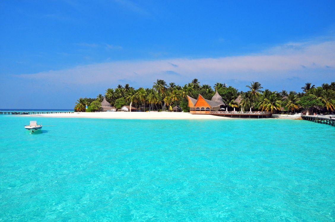 Обои Мальдивы, лодка, остров картинки на телефон