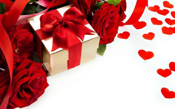 Бесплатные фото цветы,розы,подарок,ленточки,коробка,сердечки