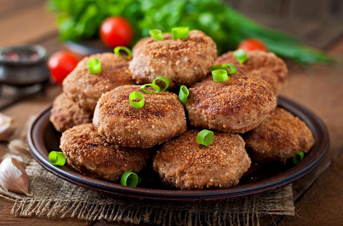 Фото бесплатно зелень, мясо, котлеты - на рабочий стол