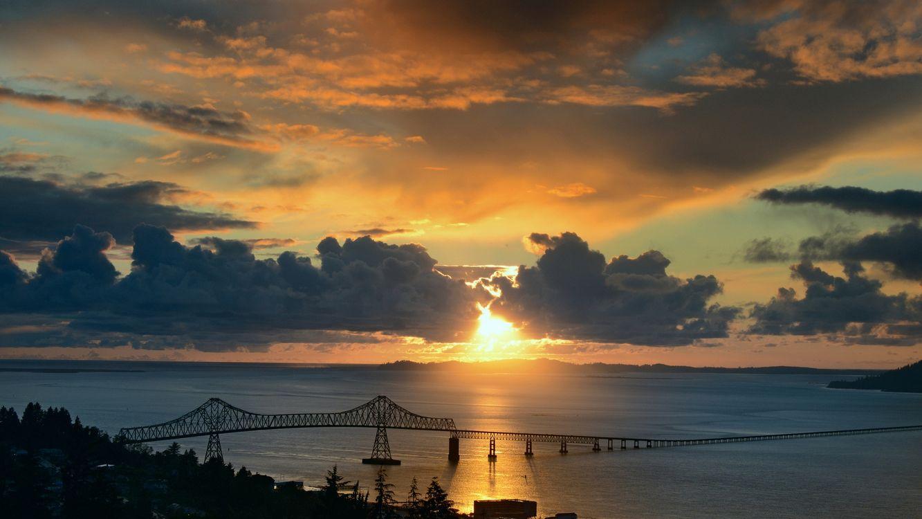 Фото бесплатно вечер, море, пролив, мост, небо, облака, солнце, закат, пейзажи