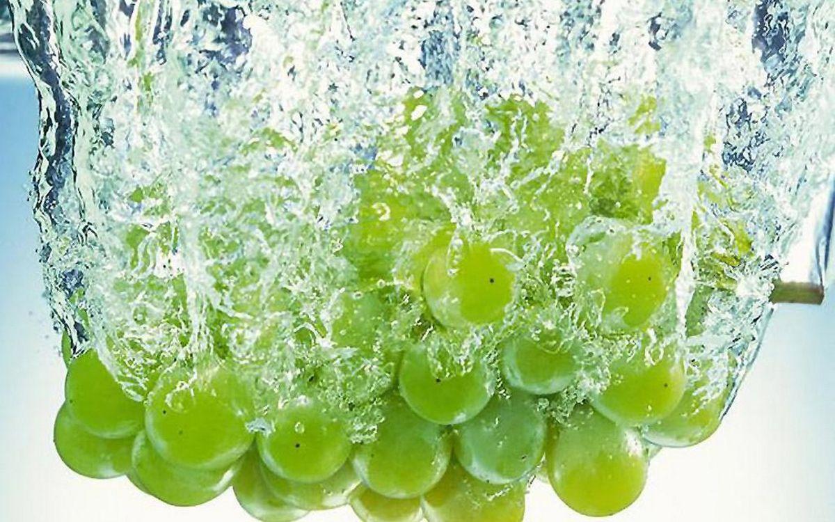 Фото бесплатно виноград, зеленый, ягода, гроздь, вода, пузырьки, еда