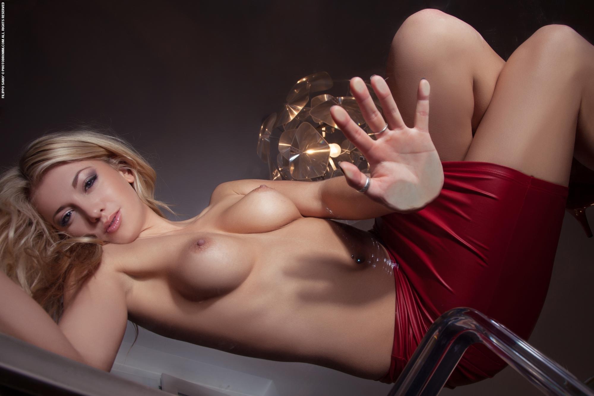 Фотки на телефон в рп голые женщины и их прелести, порно фото красивых вагин крупным планом