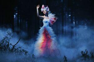 Обои девушка, модель, красивое платье, ночь, настроение, стиль