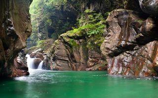Фото бесплатно горы камни, растительность, река
