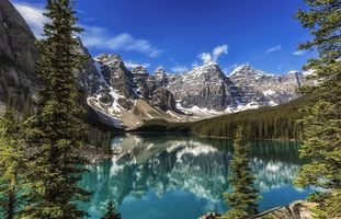 Фото бесплатно Moraine Lake, Banff National Park, Alberta, Canada