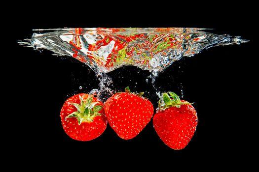 Фото бесплатно ягоды, клубника, жидкость