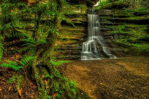 Бесплатные фото Old Mans Cave, Hocking Hills State Park, Ohio, речка, скалы, водопад, деревья