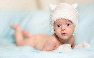 Бесплатные фото ребенок, малыш, шапка, варежки, кровать
