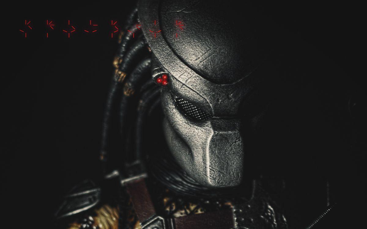 Фото бесплатно хищник, шлем, иероглифы, фильмы