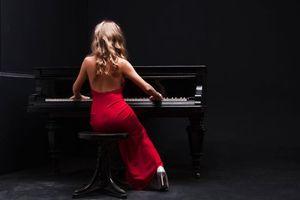 Бесплатные фото девушка,музыка,рояль