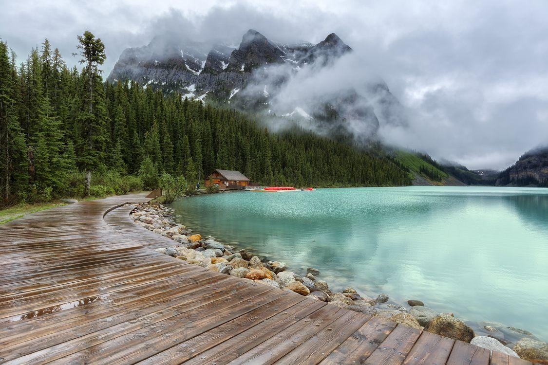 Photos for free Lake Louise, Banff National Park, Alberta - to the desktop