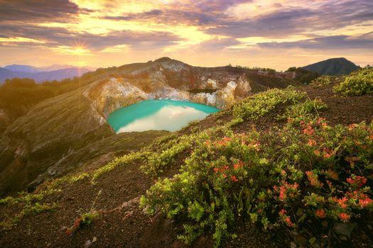 Фото бесплатно Mt Kelimutu, East Nusa Tenggara, Indonesia