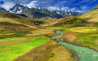 Фото бесплатно река, поля, домики