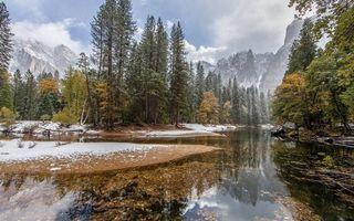 Бесплатные фото осень,река,лес,деревья,снег,горы,небо