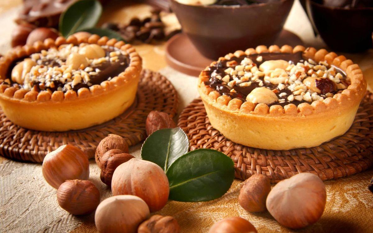 Фото бесплатно тортик, орешки - на рабочий стол