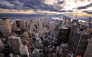 Бесплатные фото дома,высотки,небоскребы,улицы,огни,небо,облака