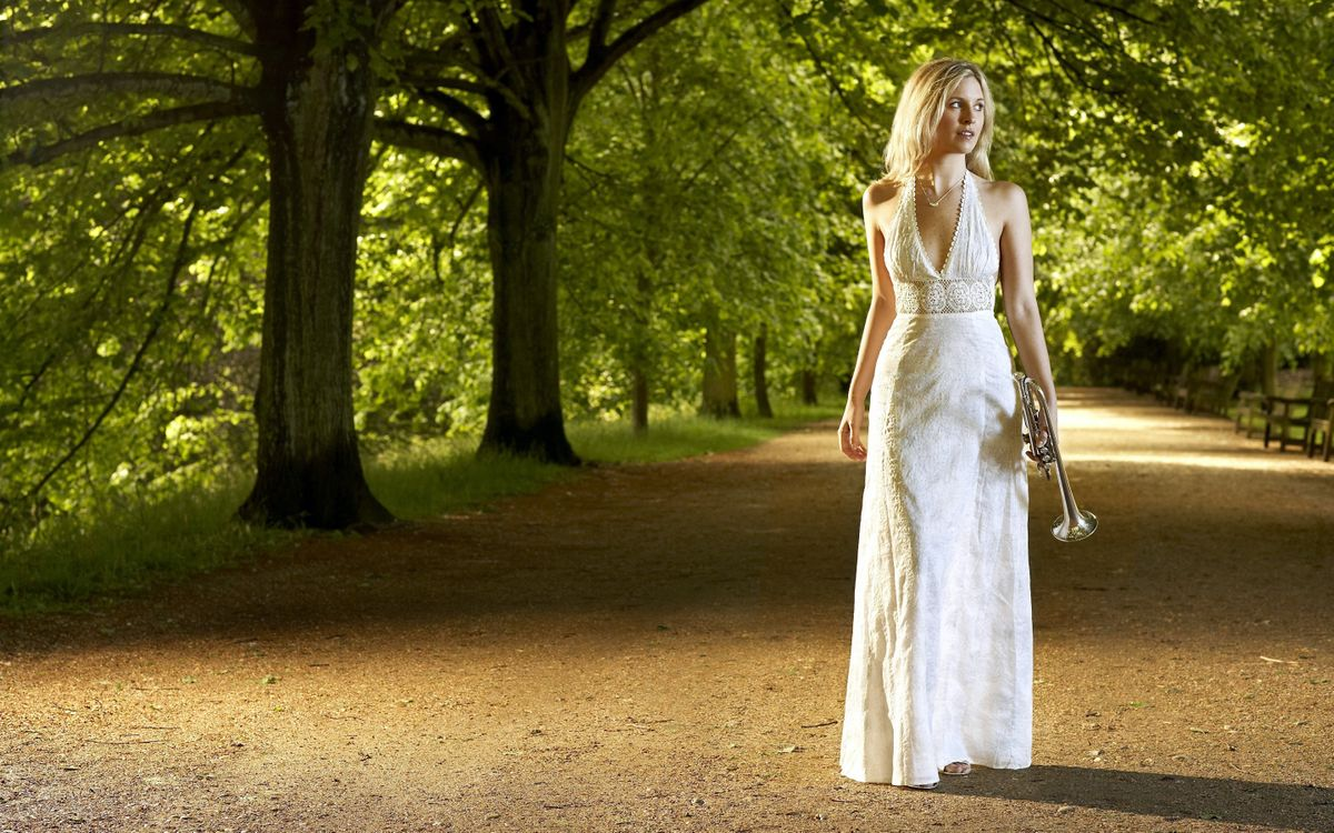 Фото бесплатно прогулка по парку, красивая девушка, белое - на рабочий стол