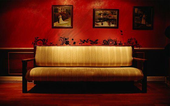 Фото бесплатно комната, стены, бордовые
