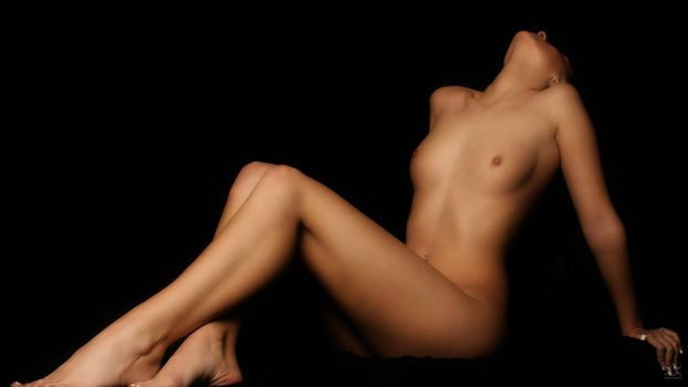 Машина трахает тела голых женщин камера порно девушек