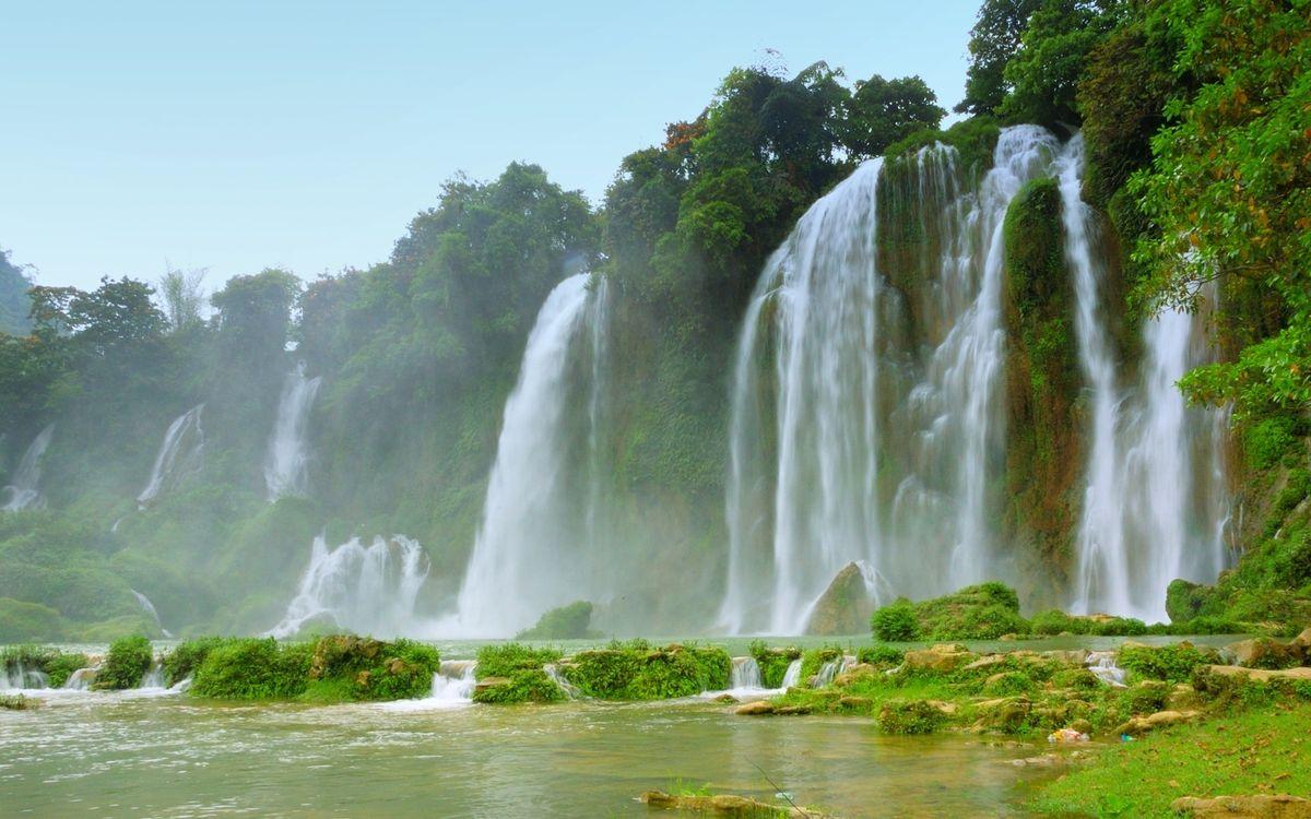 Фото бесплатно тропики, река, водопады, брызги, камни, растительность, пейзажи