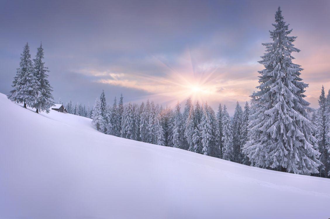 Фото бесплатно закат, зима, снег, горы, деревья, домик, пейзаж, пейзажи
