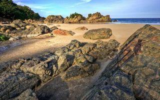 Бесплатные фото побережье, песок, камни, скалы, растительность, море, небо