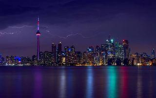 Бесплатные фото ночной город,молния,гроза,мегаполис,небоскребы,залив