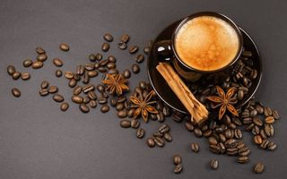 Фото бесплатно чашка кофе, зерна, блюдце